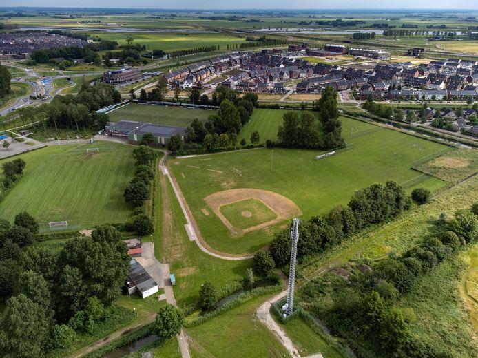 Met woningbouw op het voormalige honkbalveld en naastgelegen veldjes moet een renovatie van sportpark De Maten worden betaald.