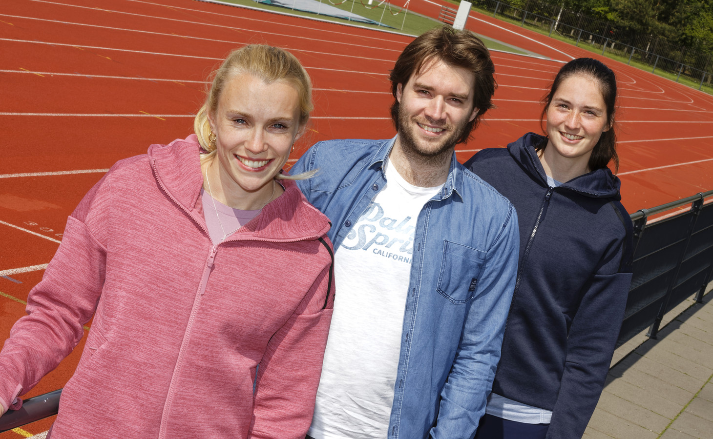 Maureen Herremans (links), Koen van Erve en Tanita Hofmans zitten in de organisatie van de T-Meeting.