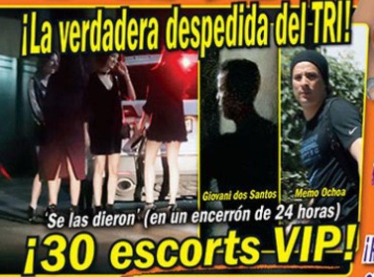 Op beelden van het Mexicaanse TVNotas zouden verschillende spelers in de buurt van dertig prostituees te zien zijn.