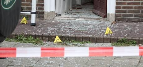 'Mogelijke poging tot doodslag', politie zoekt al maanden dader die vuurwerkbom op huis gooide in Oss