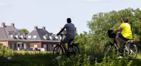 De fietsenmaker van toen bestaat bijna niet meer: 'Het is alsof ik aan een simpele auto sleutel'