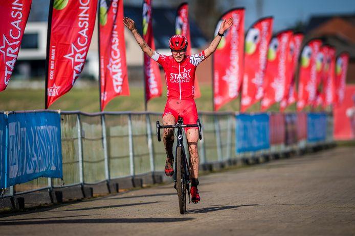 Jana Dobbelaere won Koers zkt. Vrouw.