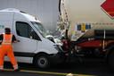 Een kettingbotsing zorgt momenteel voor chaos op de A1 bij Enter (knooppunt Azelo).