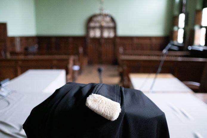 MECHELEN - De toga van een advocaat van de correctionele zittingszaal van de rechtbank in Mechelen.