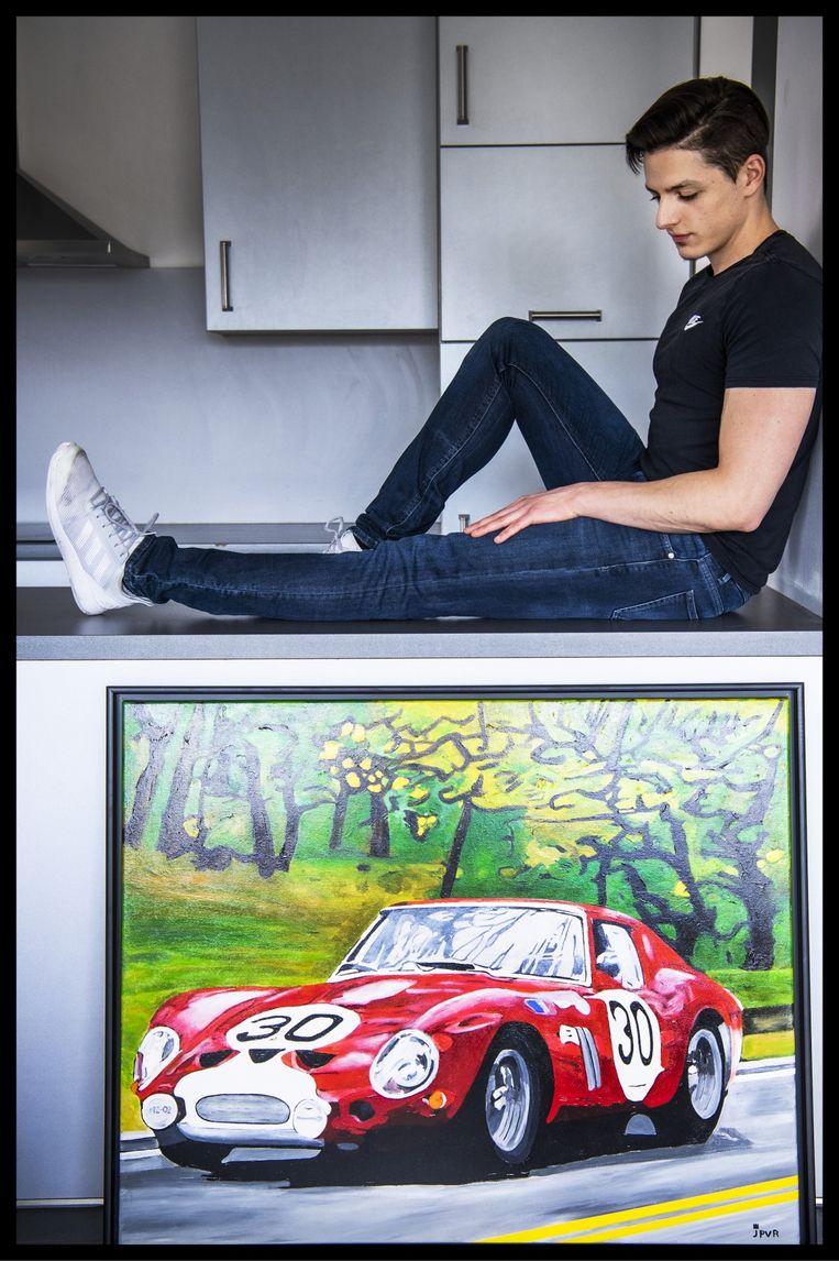 'De schilderijen van mijn vader zijn allemaal geconfisqueerd. Van de notaris mocht ik er dan toch drie uitkiezen: zijn laatste schilderij van een Ferrari, een zeegezicht en een zelfportret.' Beeld