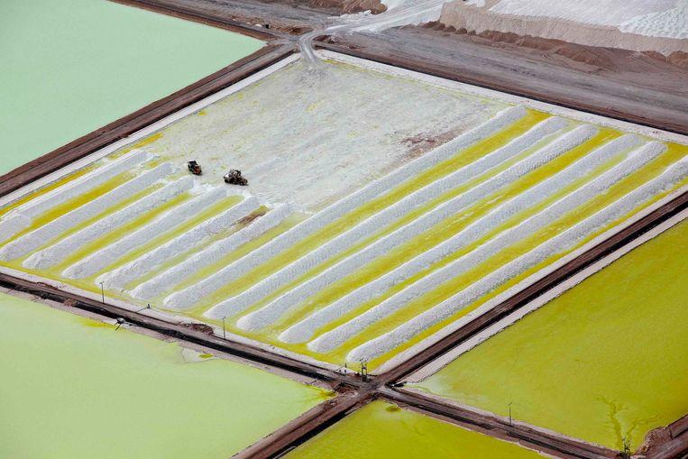 Een close-up van de lithiummijn.  Beeld REUTERS