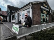 Duitse aspergekweker krijgt hulp vanuit Lobith: 'De reisbeperkingen zijn een ramp'
