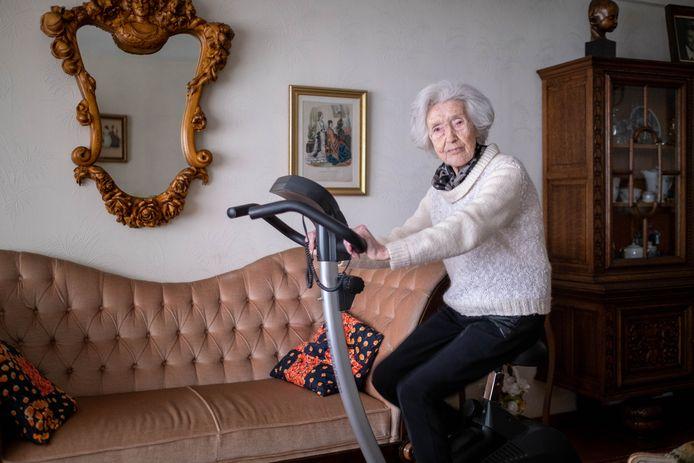 """Clementina """"Tinneke"""" Keller de dag voor haar 106de verjaardag."""