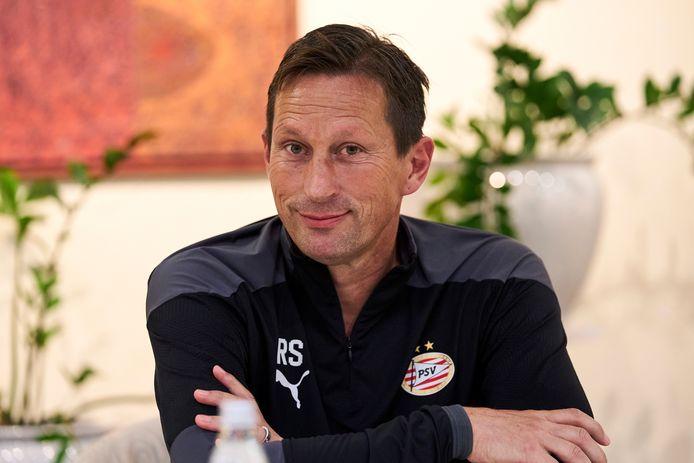 Roger Schmidt tijdens de persconferentie van PSV in het Sloveense Maribor, voor het duel met NS Mura.