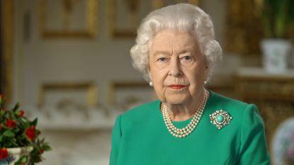 """Queen Elizabeth verspreidt voor het eerst paasboodschap: """"Het coronavirus zal ons niet overmeesteren"""""""