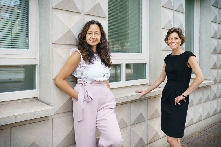 Henriette van Hedel (rechts) en Susan Hommerson van de stichting Sociale Christen-Democratie.  Beeld Maikel Samuels