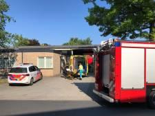 Brandweer haalt man uit smeerput in Oldenzaal