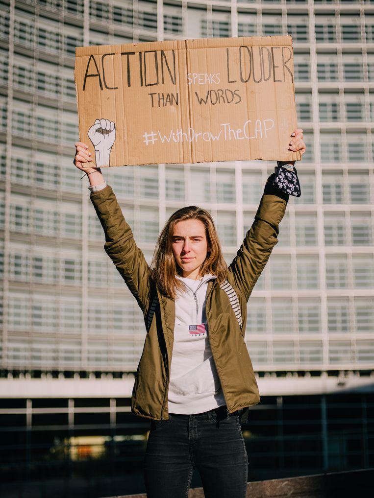 Adélaïde Charlier, Waalse coördinator Youth for Climate: 'Angela Merkel heeft alvast ons advies opgevolgd.Het gaat langzaam, maar het gaat vooruit.' Beeld Kevin Faingnaert