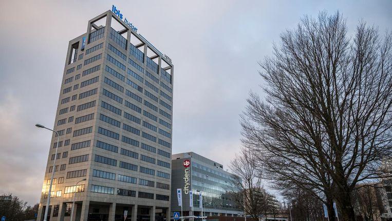 Het Ibis Budget en het Cityden in de Amstelveense kantorenwijk Kronenburg Beeld Rink Hof