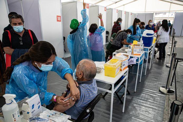 Een vaccinatiecentrum in Santiago, Chili