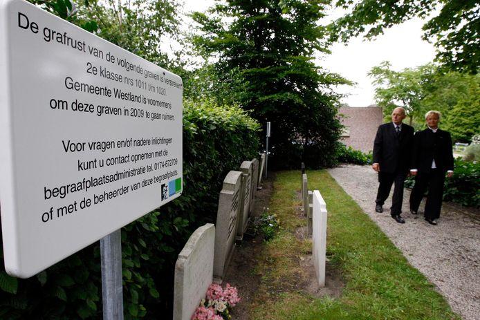 Het op de hoogte brengen van nabestaanden over graven die worden geruimd, moet beter, vindt de fractie Westland Verstandig.