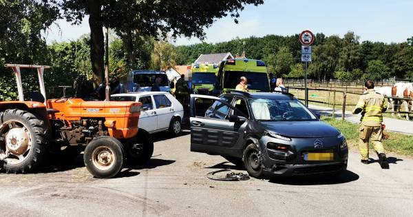 Gewonden na ongeluk met trekker en autos bij Babberich.