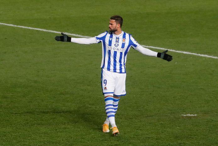 Willian José in actie voor Real Sociedad.