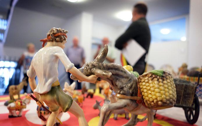 Ezels zijn ook echte werkdieren, zo zie je aan dit miniatuurezeltje.