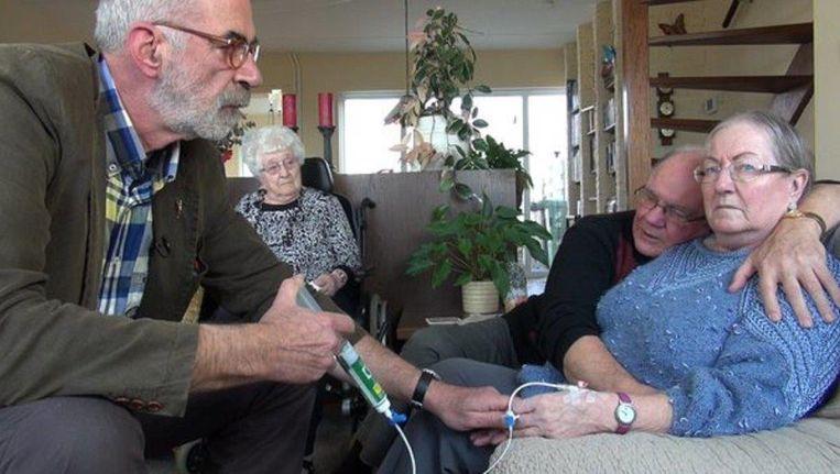 Een beeld uit de documentaire Levenseindekliniek. Beeld NTR