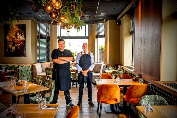 Chef Cliff Groman (l) en Hans Hogeboom.