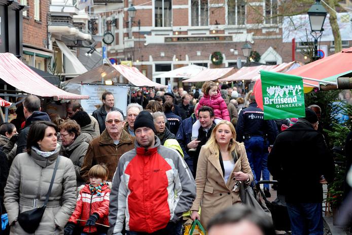 De kerstmarkt in het Ginneken trekt doorgaans veel publiek. De geplande 26e editie van dit jaar gaat niet door.
