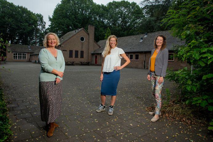 Debby Joosten, Juliette Hilte en Zoë van Cuyk (v.l.n.r.) richten in Wijchen een nieuwe school met een vernieuwend onderwijsconcept op: De Bonte Boomhut. De school trekt in een opgeknapt oud gebouw van het Maaswaal College, op de hoek van de Veenseweg en de Leemweg.