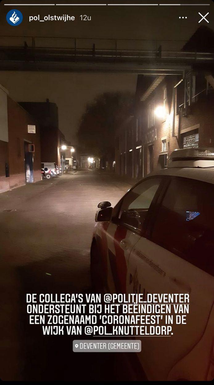 De politie heeft een illegaal feest beëindigd in Deventer.