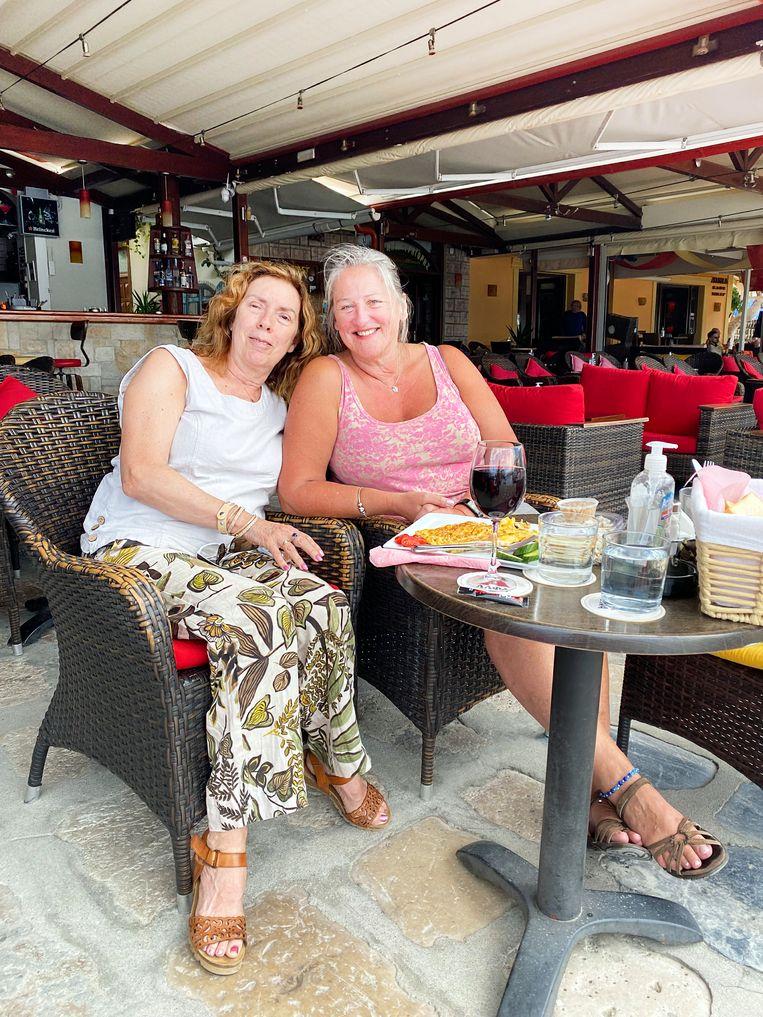 Mantra Wijsbeek en Bodhi Haveman komen al jaren op Samos: 'Wij hebben vertrouwen' Beeld Thijs Kettenis