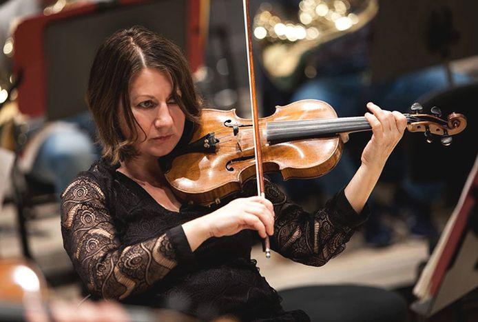 Een van de violisten van Arbanassi Strings.