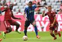 Sébastien Haller in actie tegen Bayern München.