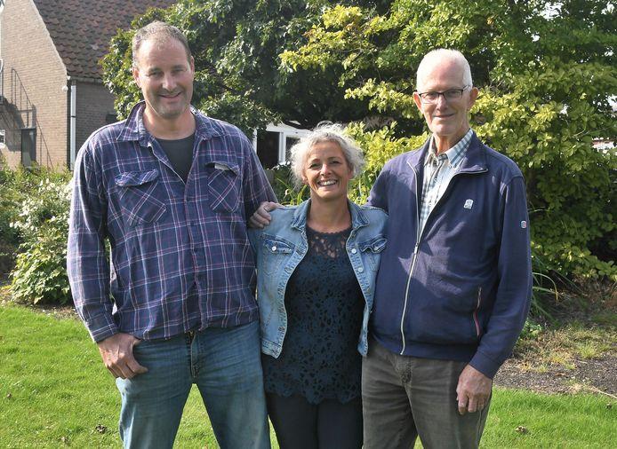 Wilfried (links) en Marjo Boonman met Wilfrieds vader Adri Boonman.
