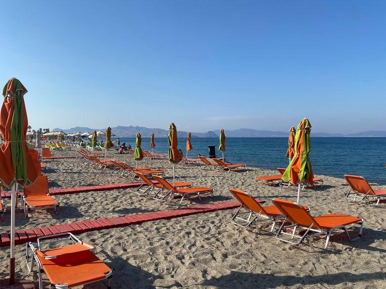 Het strand is nog leeg.  Beeld Thijs Kettenis
