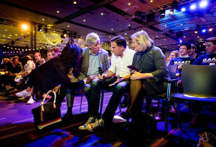 Ivo Opstelten, premier Mark Rutte en staatssecretaris Ankie Broekers-Knol tijdens het VVD-festival.