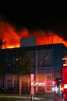 Twintig bedrijven getroffen door grote brand: 'Beetje brandschade, maar enorme waterschade'