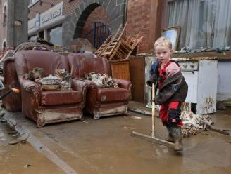 """Opruimen in overstromingsgebied niet zonder gevaar: """"Let op voor gevaarlijke stoffen in water"""""""