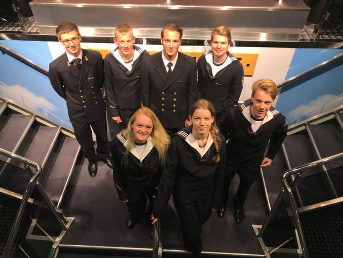 Eerste Officier Bram Bobeldijk (linksboven) is met een delegatie van Zeekadetkorps Gouda voor Remembrance Day 2018 afgereisd  naar het Engelse Whitley Bay.