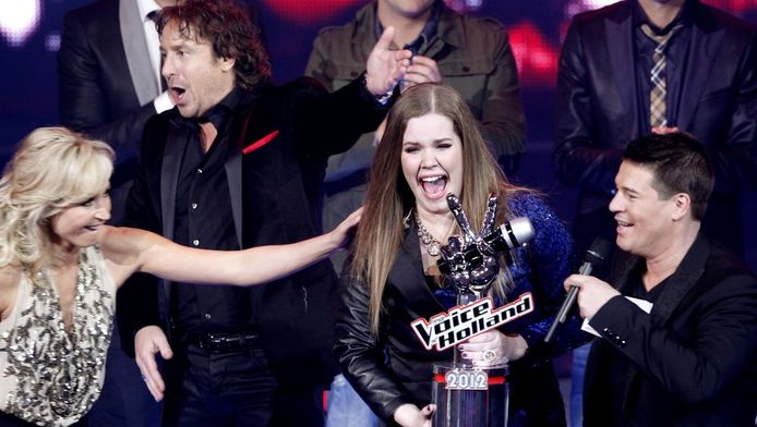 Harpenmeisje' Iris Kroes wint The Voice of Holland nipt | TV & Radio | AD.nl