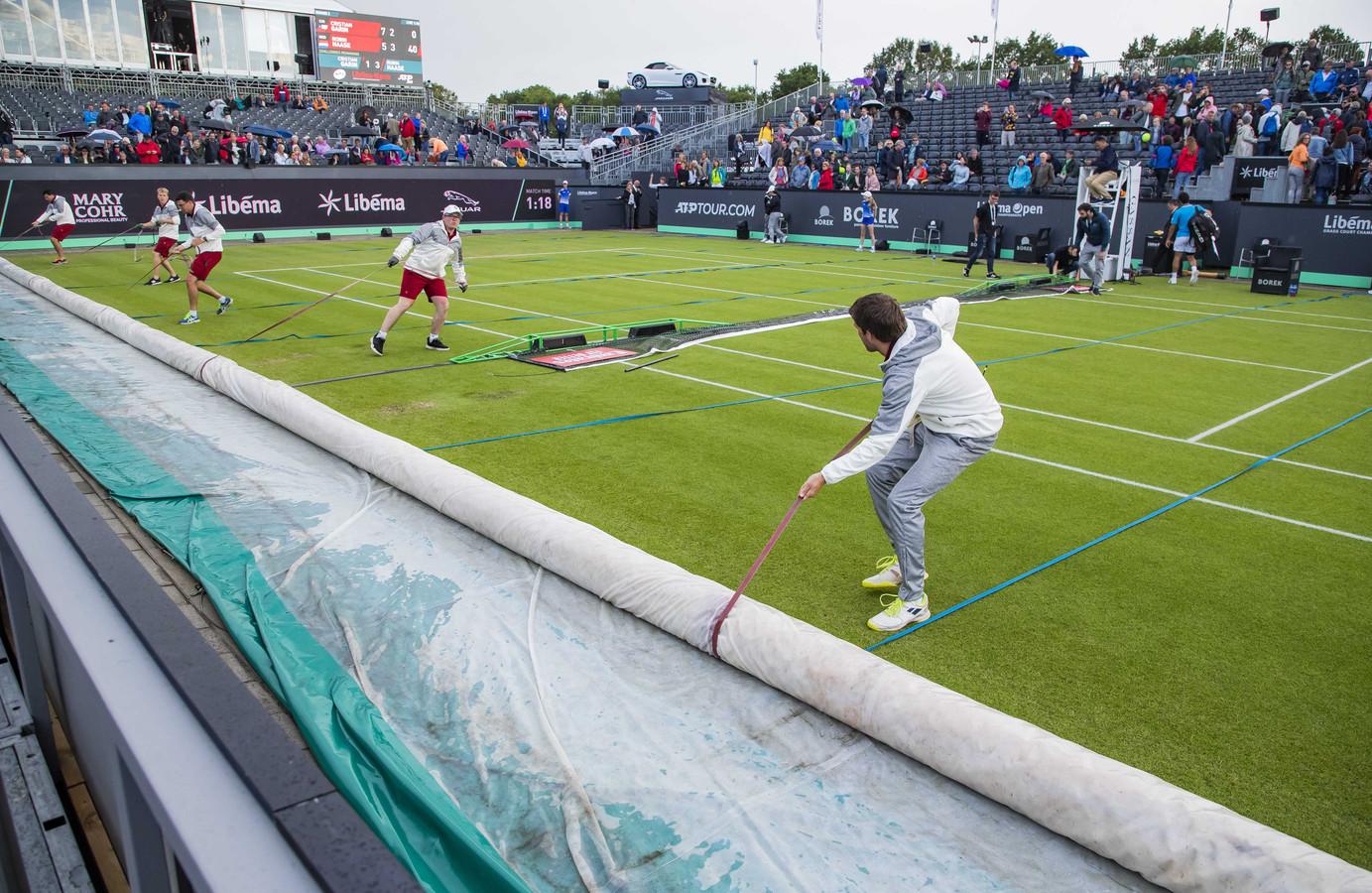 Het uitstellen van Roland Garros zorgt voor problemen bij het tennistoernooi in Rosmalen.