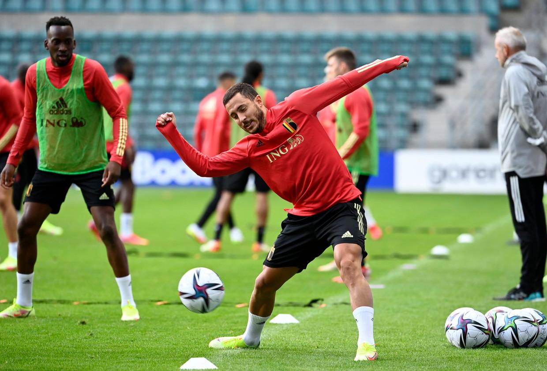 Eden Hazard op training met de Duivels in Tallinn. Beeld Photo News