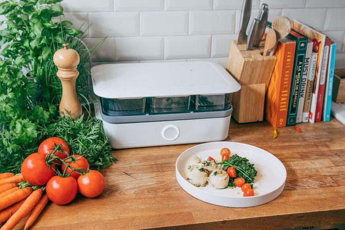 Mealhero ontwierp een 'zelfdenkende' stoomoven. De oven leest het etiket van het ingrediënt en stelt de juiste bereiding in. Daarna doe je het ingrediënt in één van de drie compartimenten van de oven.