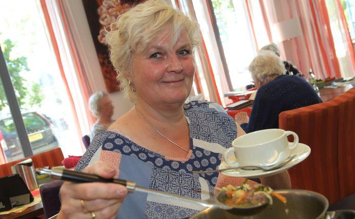 Dodewaard Anneke Schoonbergen vrijwilligster.Foto William Hoogteyling.Foto William Hoogteyling