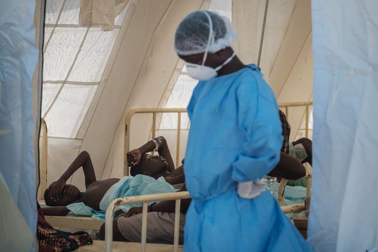 Na de verwoestende doortocht van cycloon Idai werden al meer dan 1.000 gevallen van cholera vastgesteld in Mozambique. Beeld AFP