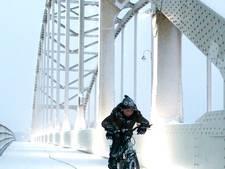 Jonge fietser door de sneeuw is volgens lezers mooiste Stentor-foto van 2017
