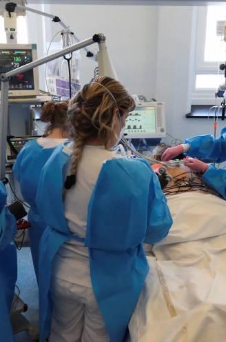 OVERZICHT. Coronacijfers dalen verder: gemiddeld minder dan 50 ziekenhuisopnames per dag, aantal besmettingen zakt met 42 procent