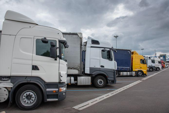Vrachtwagens in de haven van Le Havre.