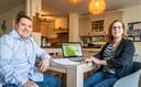 Michael Bos en zijn vrouw Aniek uit Valkenswaard hebben thuis de vaccinatieplanner ontwikkeld.