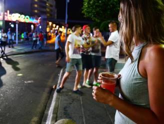 """Nieuw-Zeelandse politie heeft voorstel tegen comazuipen bij studenten: """"Open meer pubs"""""""