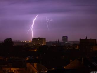 Kan je zelf voorspellen of het al dichtbij is? Welke voorzorgsmaatregelen neem je best in huis? Expert beantwoordt 10 vragen over onweer
