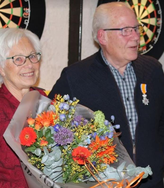 Penningmeester Joop Zomer werd  benoemd tot Lid in de Orde van Oranje Nassau.
